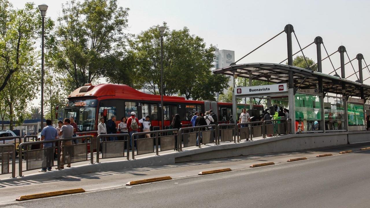 Cierran estación Buenavista del Metrobús, de la Línea 3. Fuente: Cuartoscuro, archivo