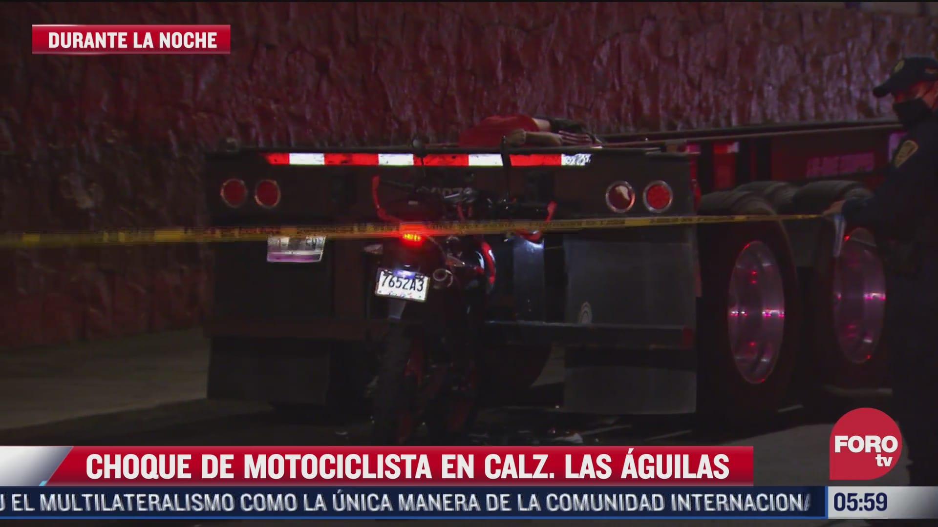 muere motociclista al chocar contra la parte trasera de un trailer en cdmx