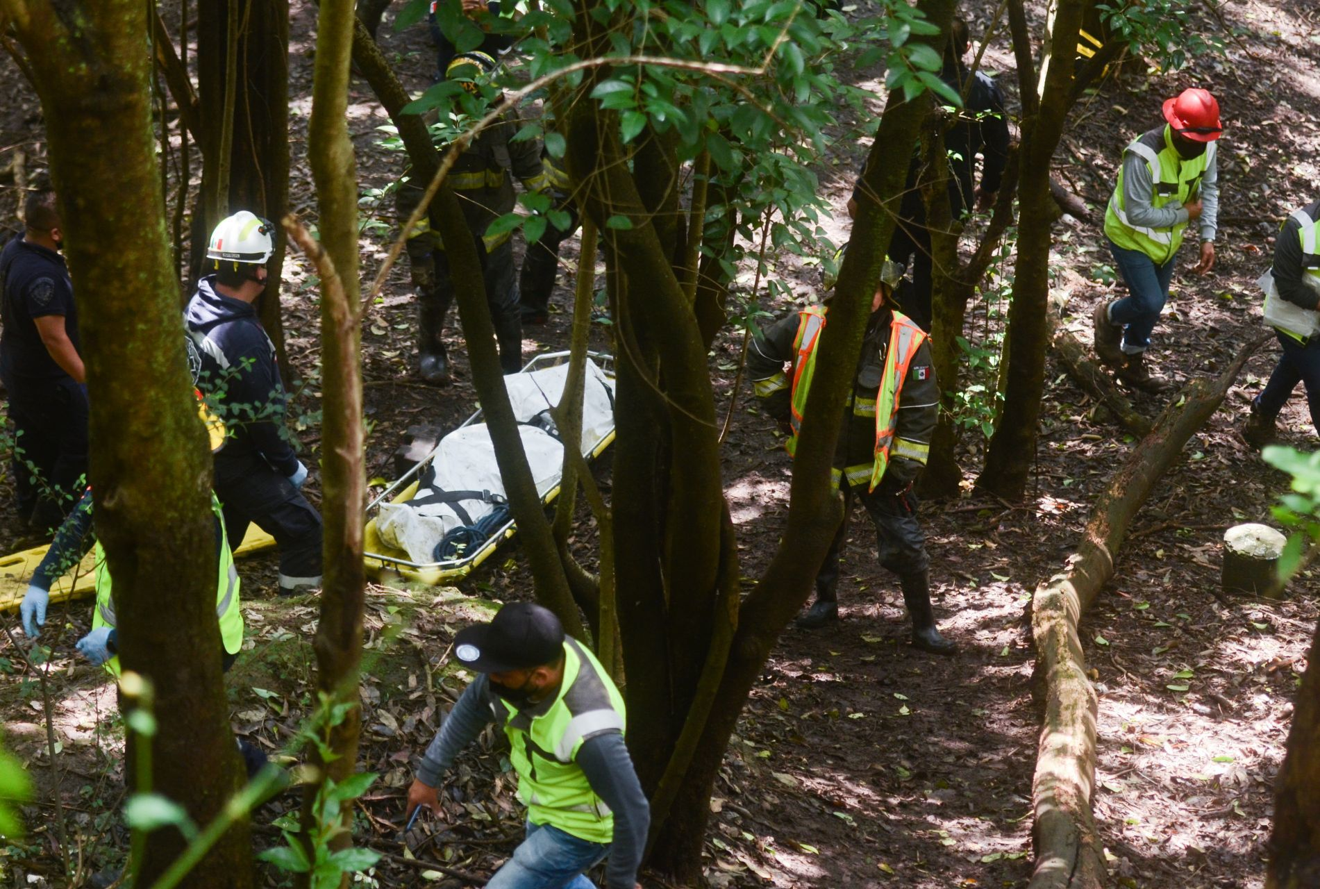 Giran orden de aprehensión contra policías por muerte de José Alberto Serna, joven hallado en barranca de Chapultepec