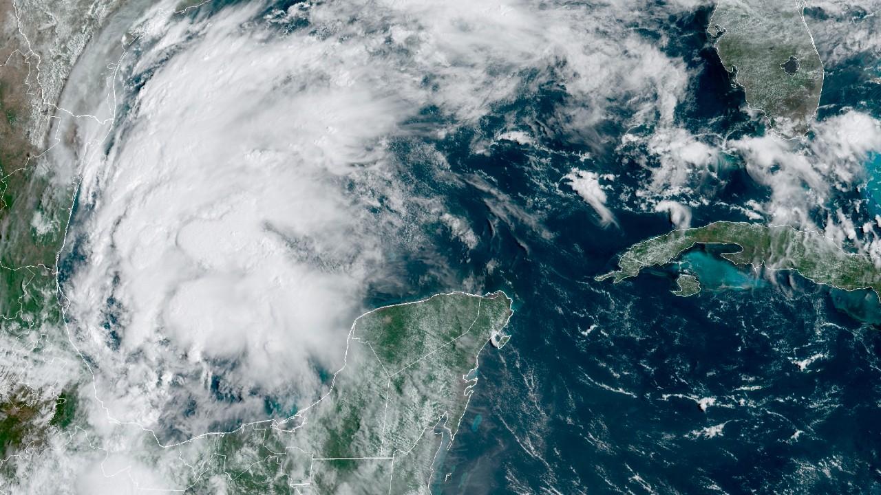 Nicholas se convierte en huracán categoría 1 y se dirige a Texas