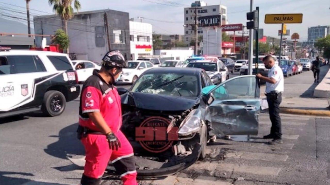 Accidente en San Pedro, Nuevo León (Twitter: @911SanPedro)