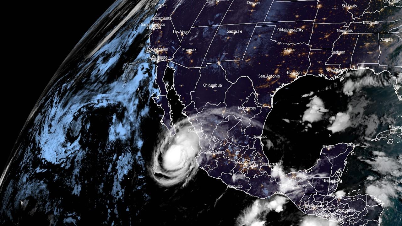 Vista del huracán Olaf (Twitter: @CIRA_CSU)