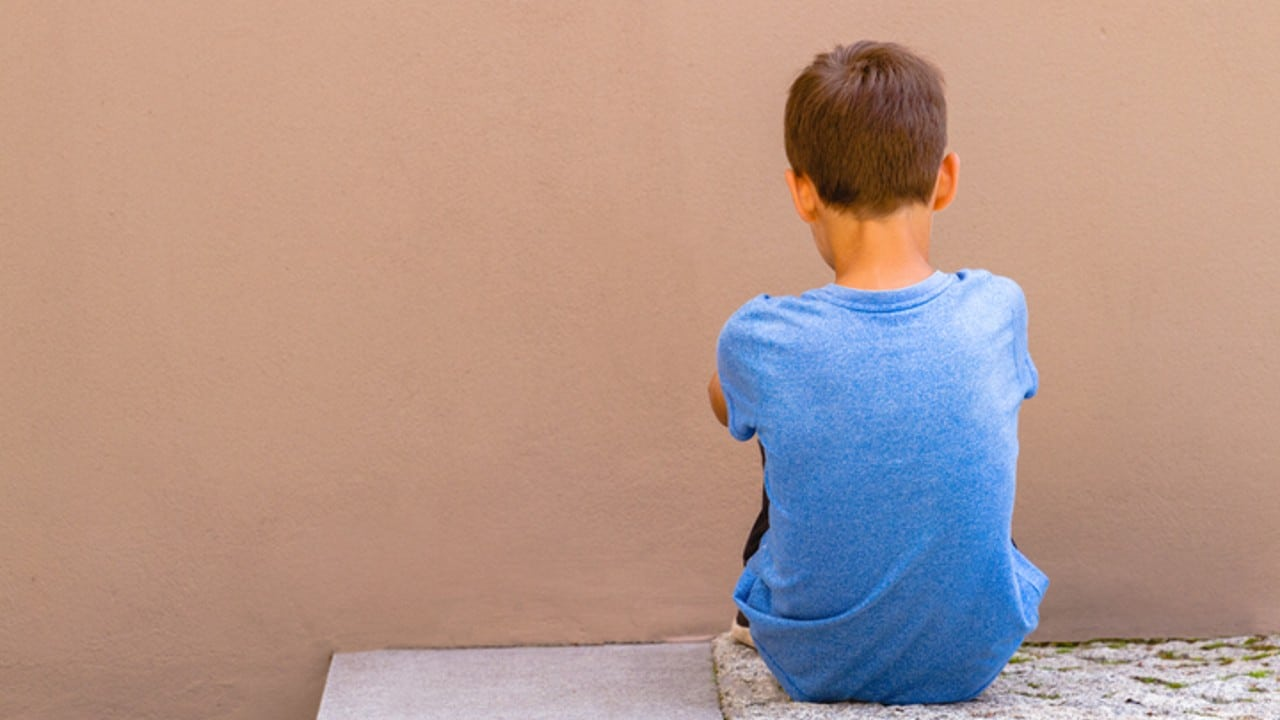Pandemia por COVID-19 detonó problemas de salud mental entre niños, alertan sobre conductas suicidas