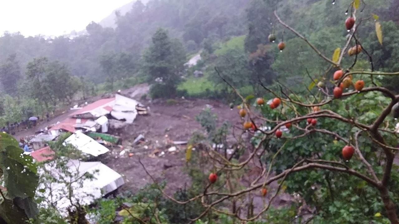 Realizan operativo de rescate tras deslizamiento de ladera en Chiapas