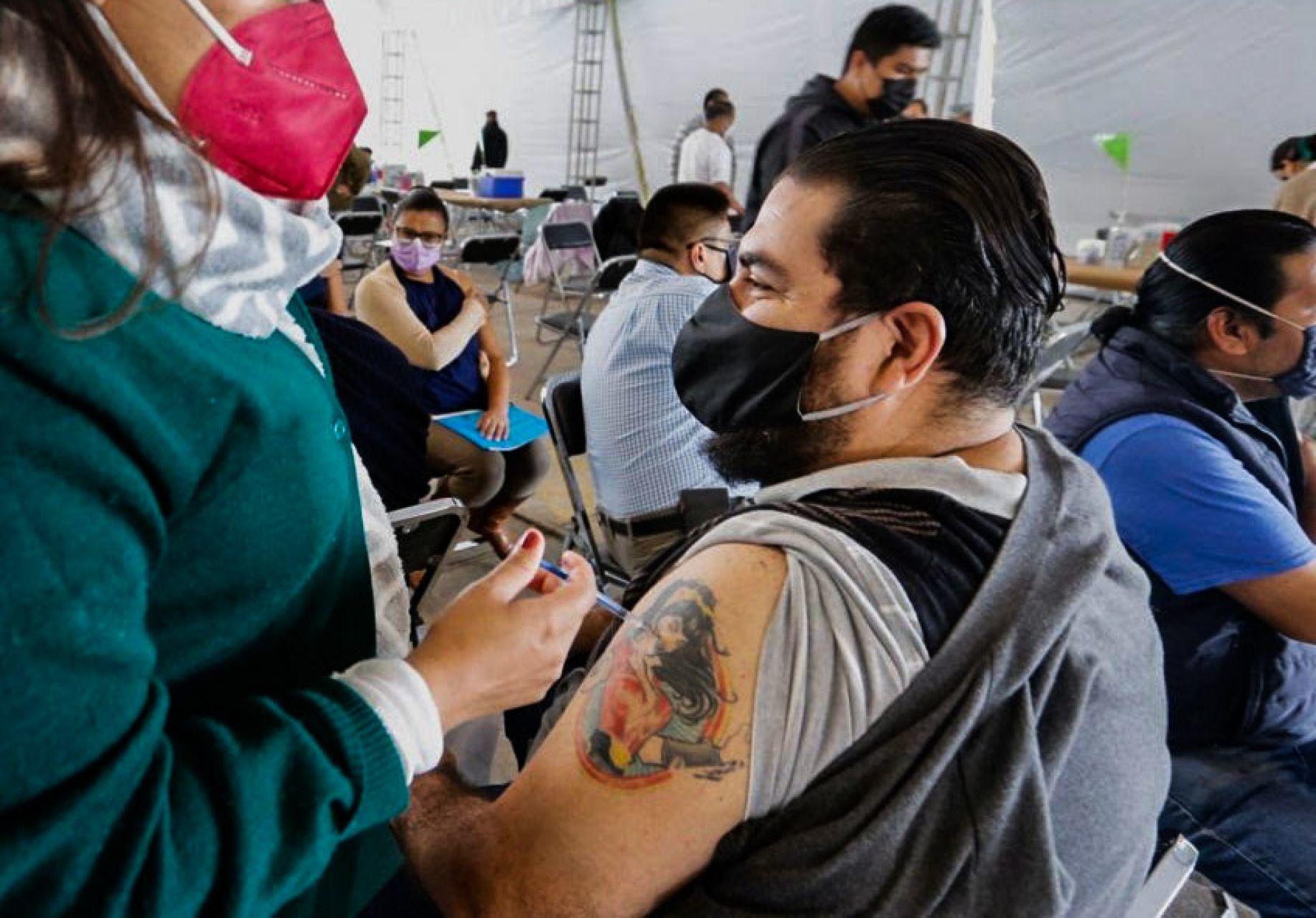 Aplicarán segunda dosis de vacuna covid en 7 alcaldías de CDMX