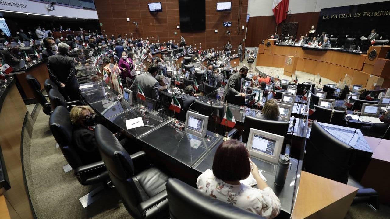 Senado aprueba, en lo general y en lo particular, expedir Ley Federal de Revocación de Mandato