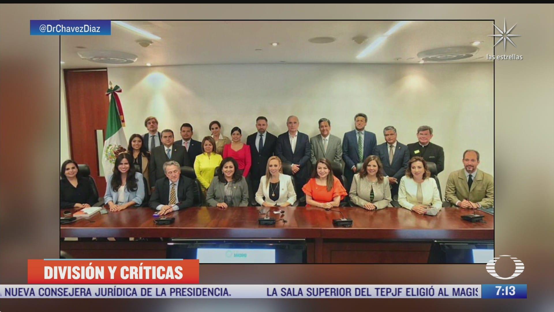 senadores del pan y partido ultraderechista espanol firman carta contra el comunismo