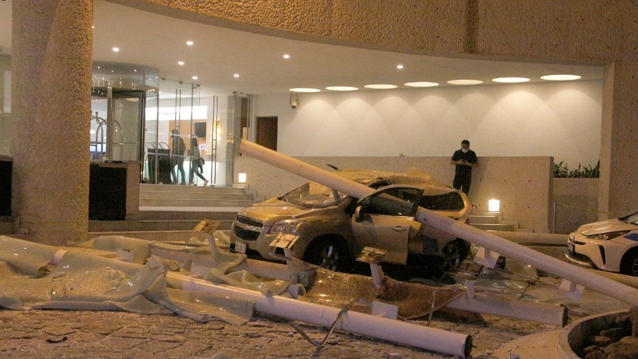 Fotografía que muestra daños en hoteles y hospitales tras el sismo en Guerrero.