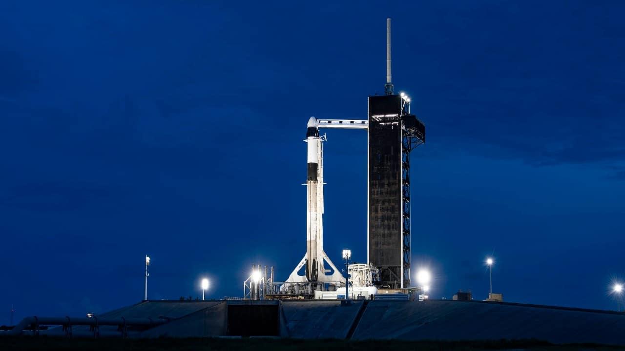 SpaceX hará historia con primera tripulación de turistas en viajar al espacio
