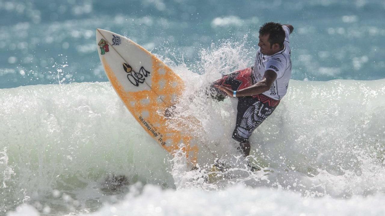 Surfistas regresan a las playas de Puerto Escondido, Oaxaca