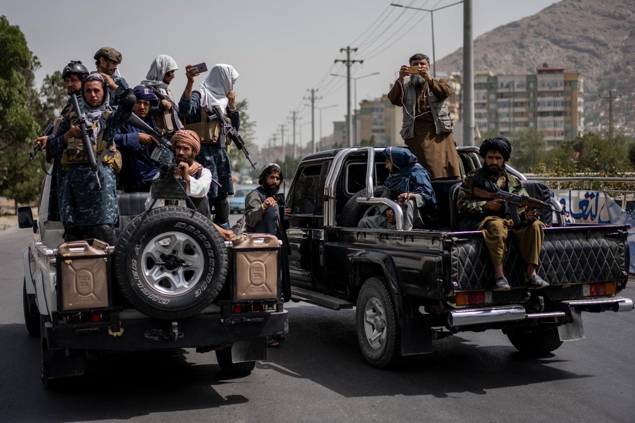 Fotografía que muestra a un grupo de talibanes en Afganistán