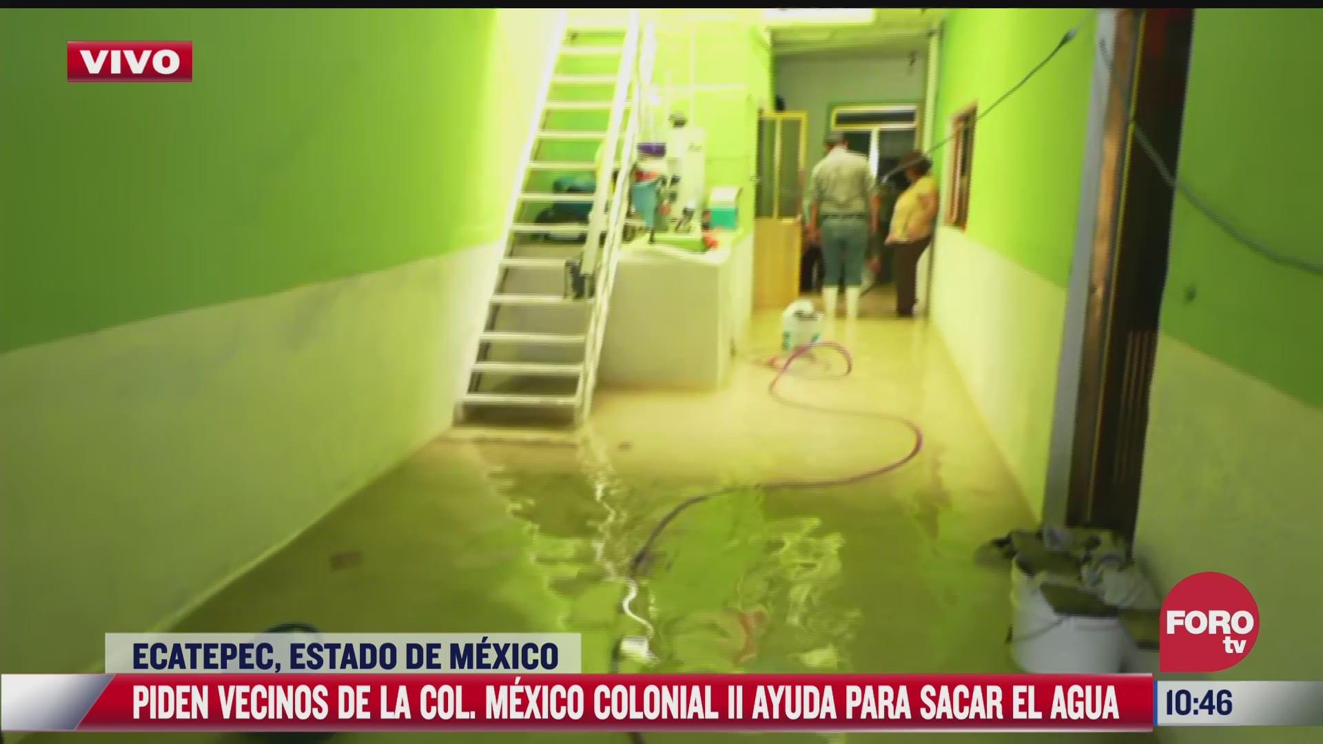 tenemos tres dias sacando el agua comenta afectada por inundaciones en estado de mexico