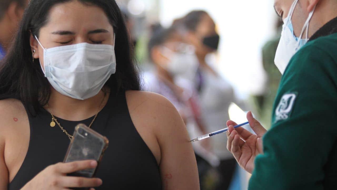 vacuna en jovenes 18 años