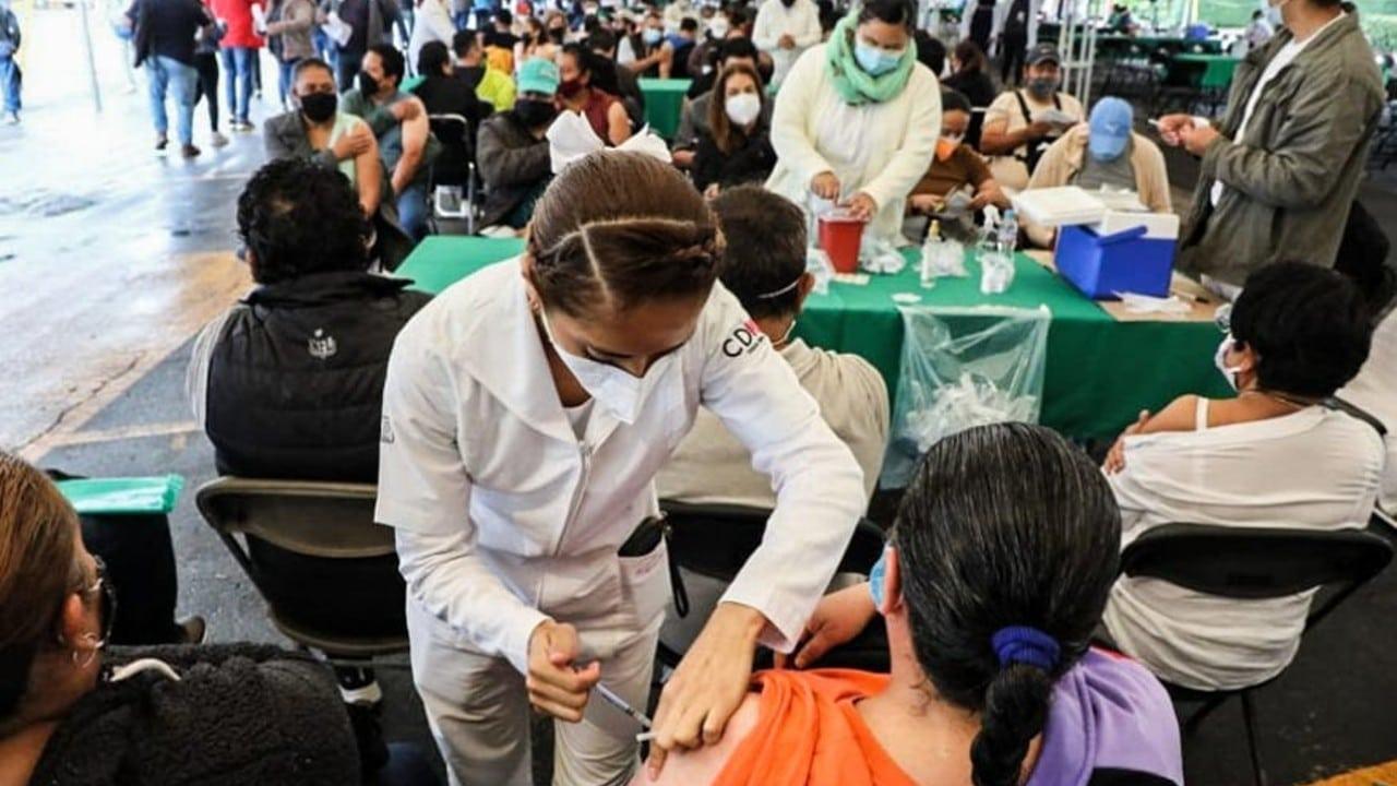 Vacunación contra COVID concluirá el primer trimestre de 2022