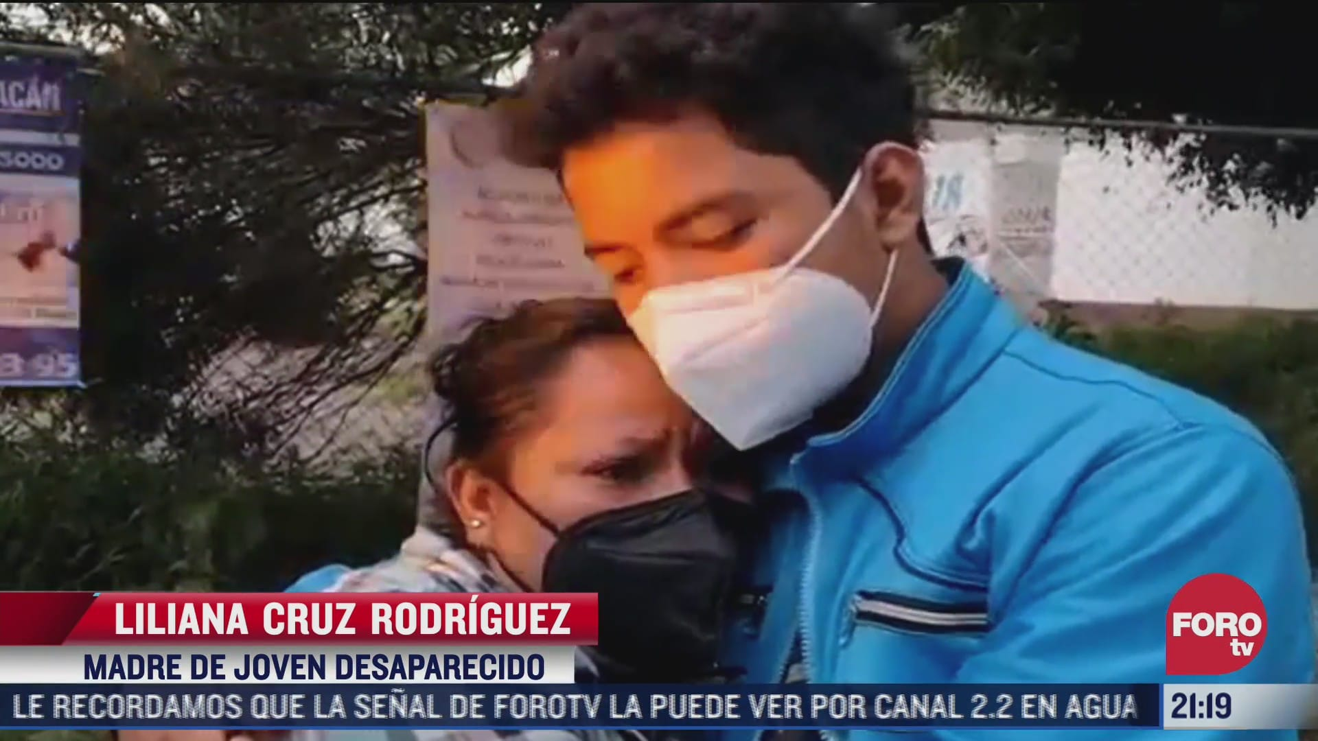 video mujer se reencuentra con su hijo desaparecido