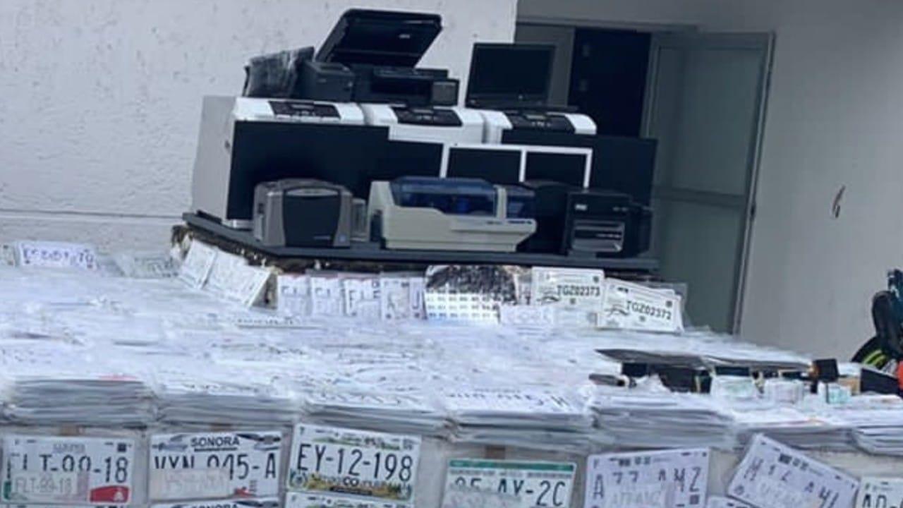 Vinculan a proceso a cinco detenidos por falsificación de placas
