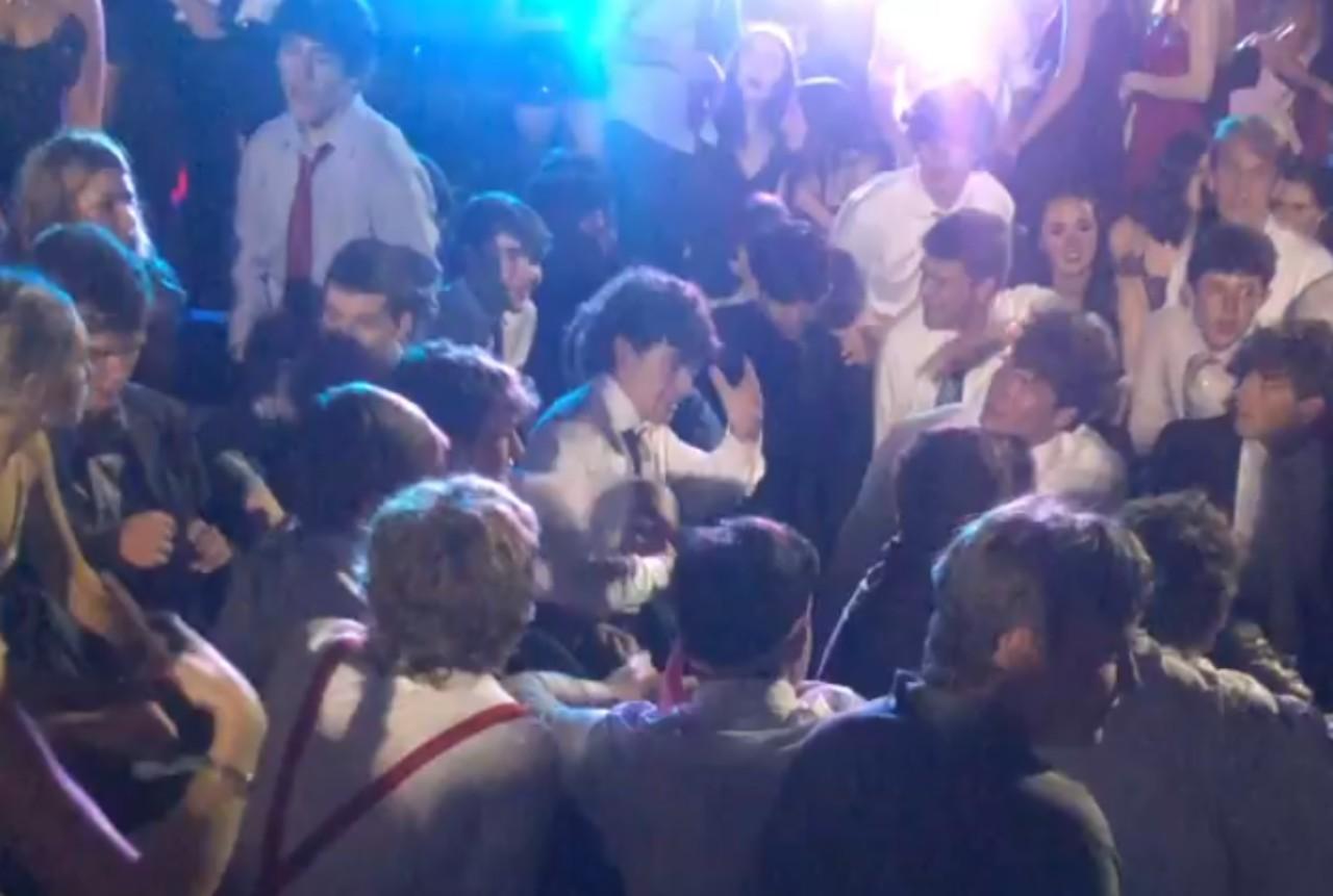 Discriminación a mexicanos por bailar Payaso de rodeo