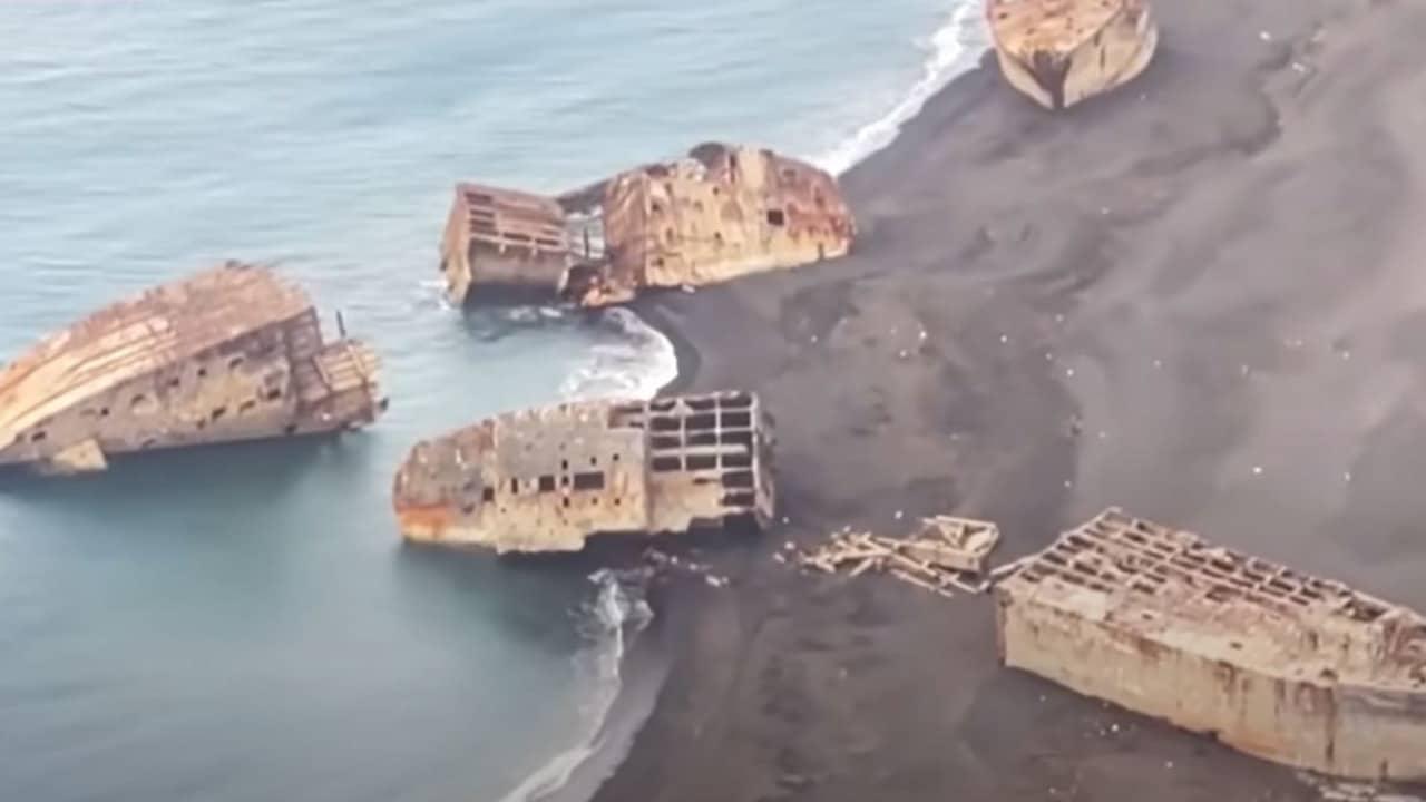Actividad de volcanes en Japón hace emerger barcos de la Segunda Guerra Mundial