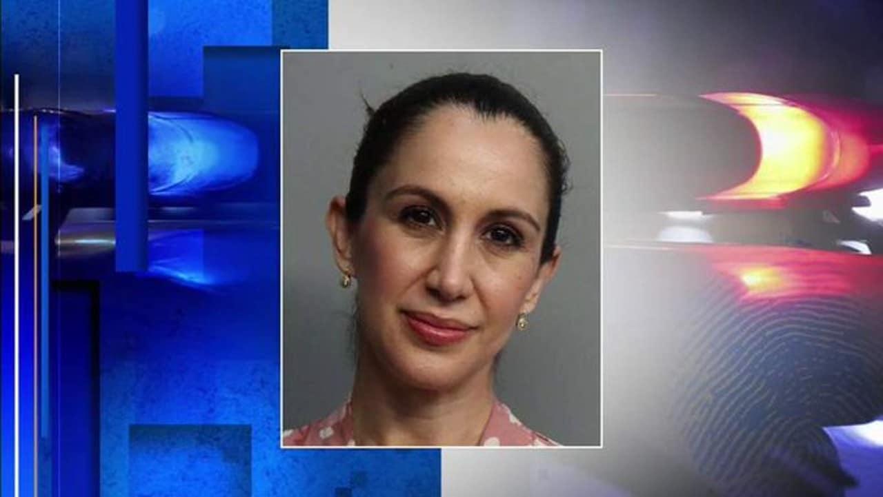 Arrestan maestra por tener sexo con un alumno en Miami