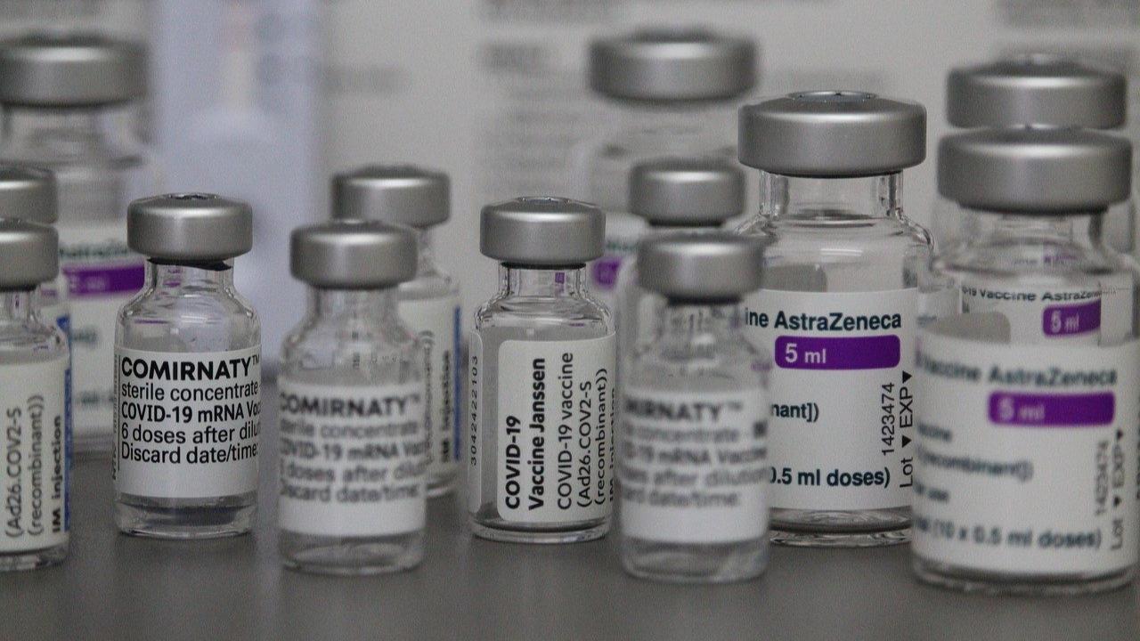 Nuevo medicamento de AstraZeneca reduciría casos graves de covid o muerte