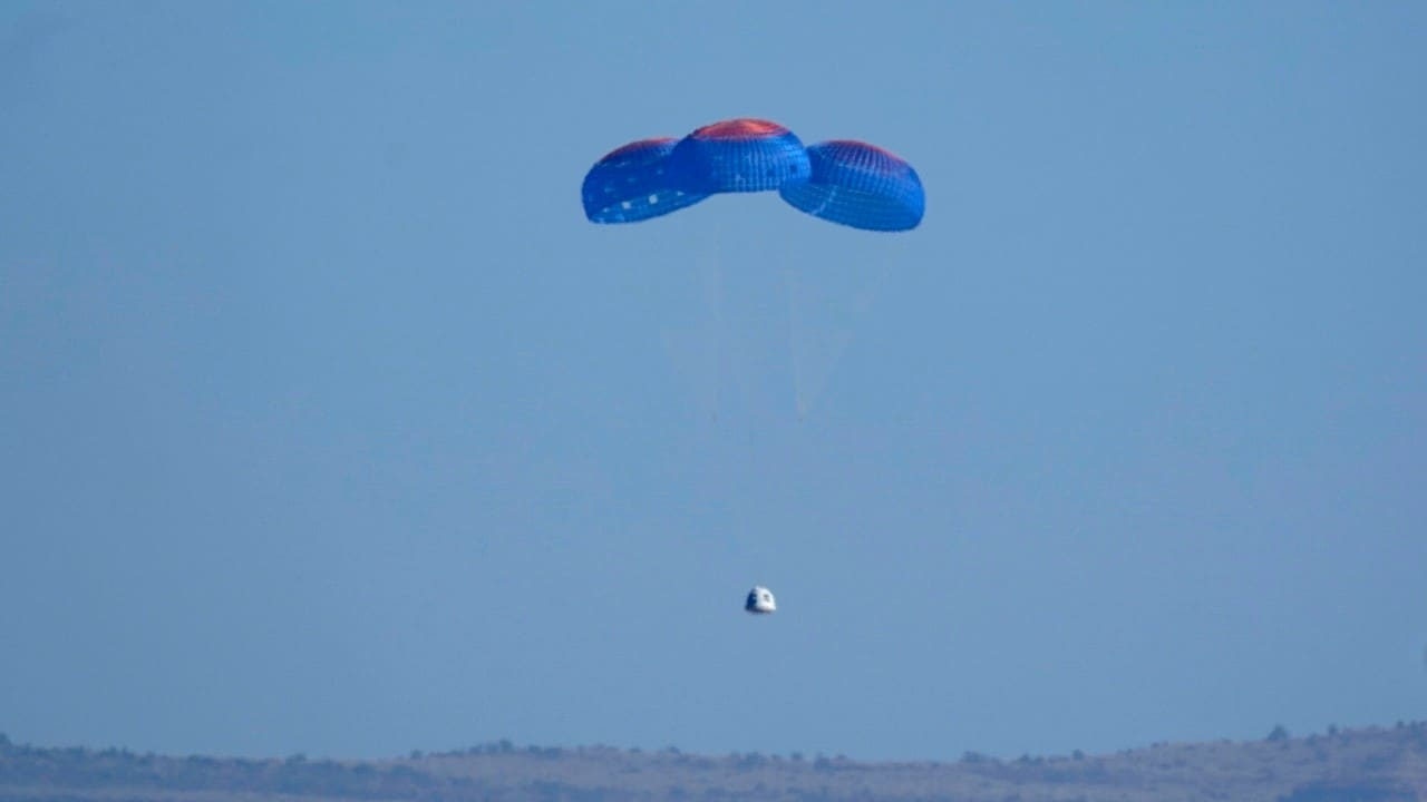 Cápsula de Blue Origin aterriza en Texas