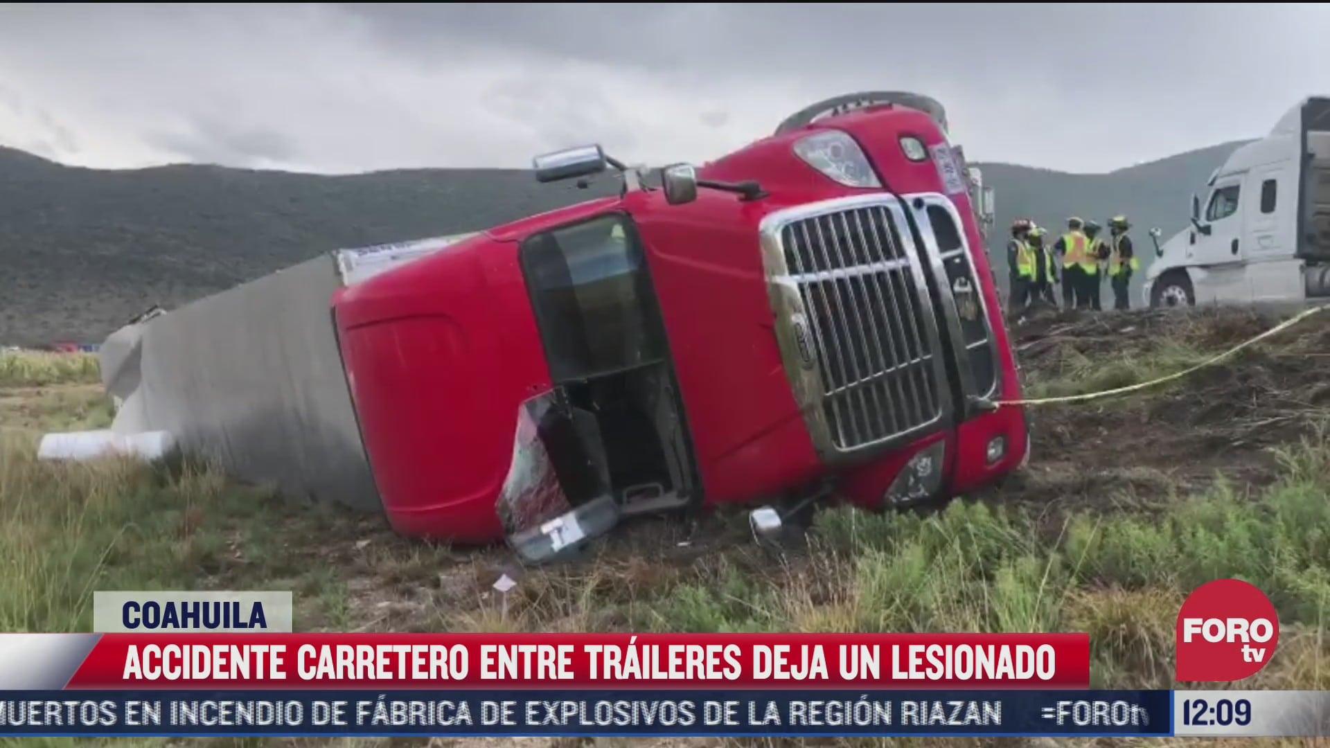 choque de traileres provoca bloqueo en carretera de coahuila