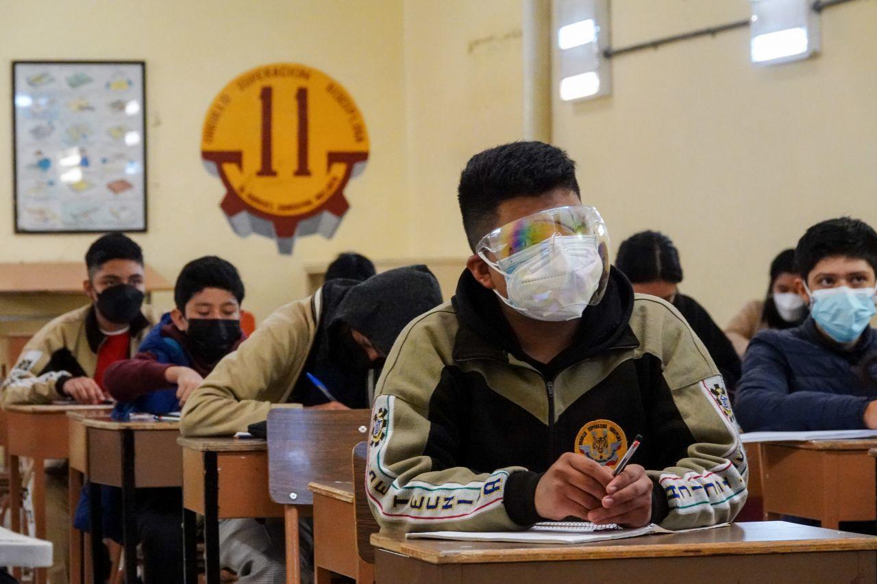 Alumnos de secundaria toman clases presenciales en México (Cuartoscuro)