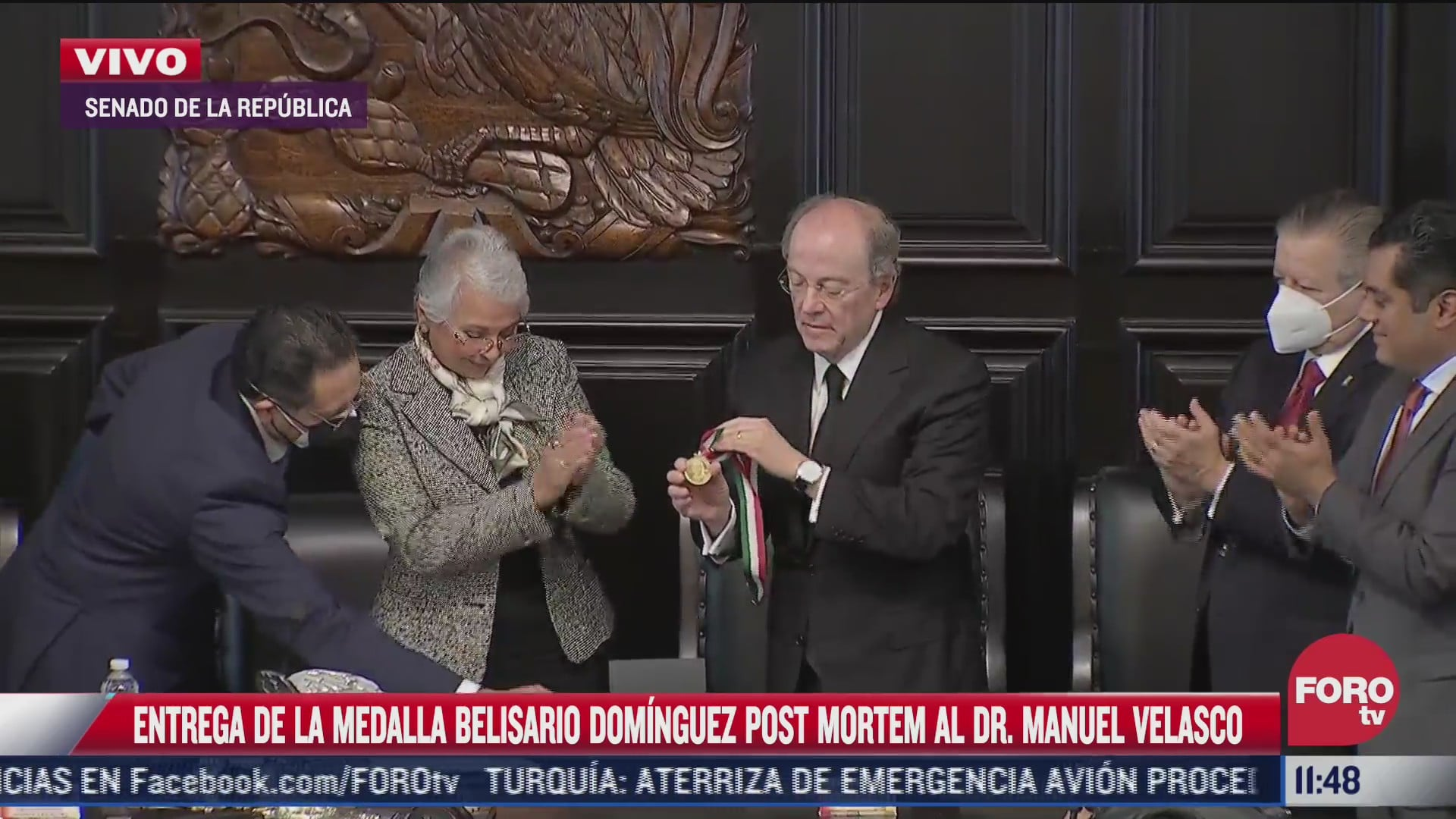 entregan medalla belisario dominguez a familiares del neurocirujano manuel velasco suarez