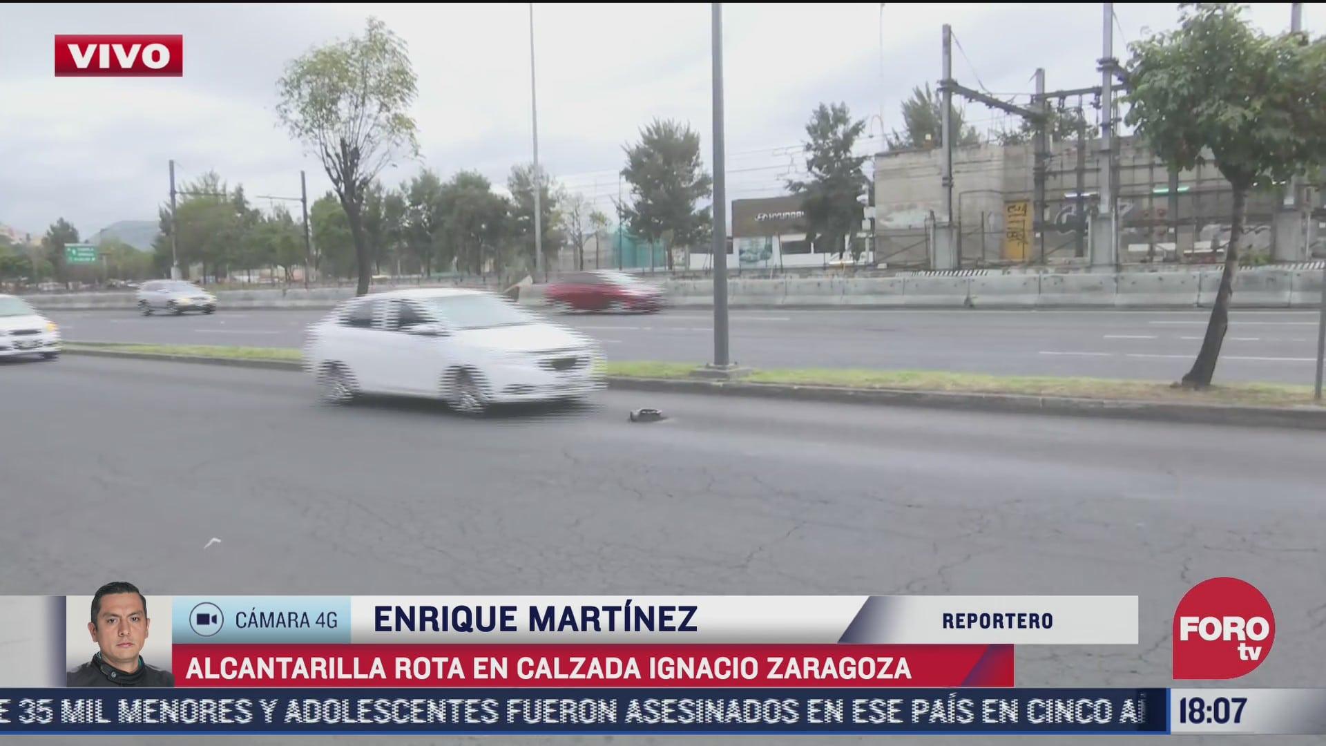 estructura metalica a media avenida poncha llanta a automovilista en zaragoza