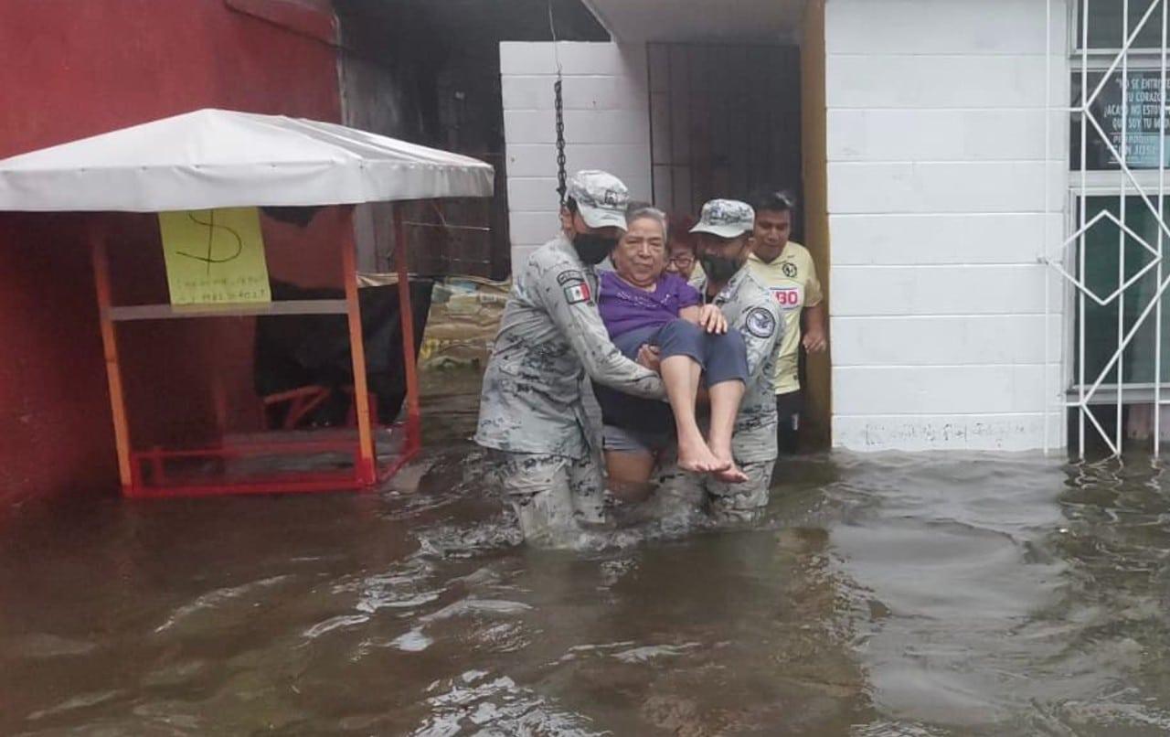 Fuertes lluvias provocan severas inundaciones al sur de Veracruz.