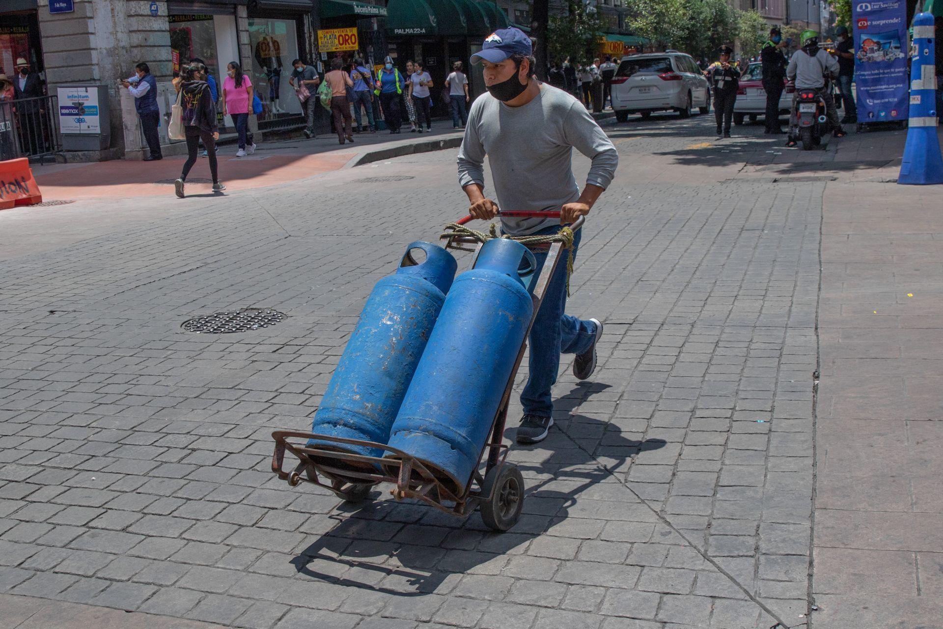 Gaseros mantienen paro por segundo día consecutivo; piden apoyo del pueblo de México