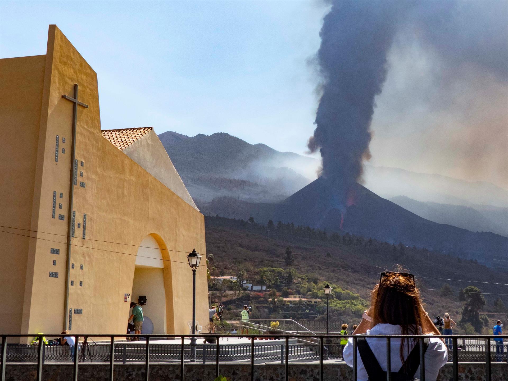 Ruptura del cono del volcán de La Palma amenaza nuevas zonas urbanas