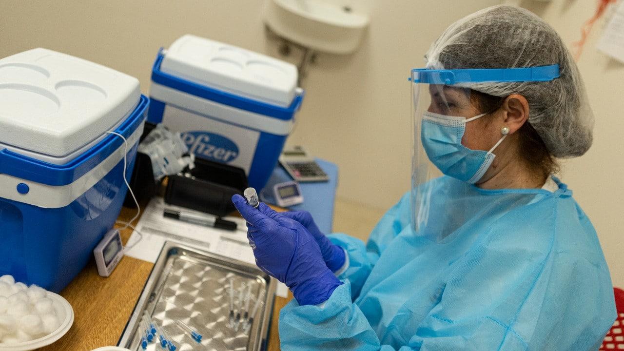 Esquemas complatos de vacunación anticovid alcanzaron el 39% en América Latina: OPS
