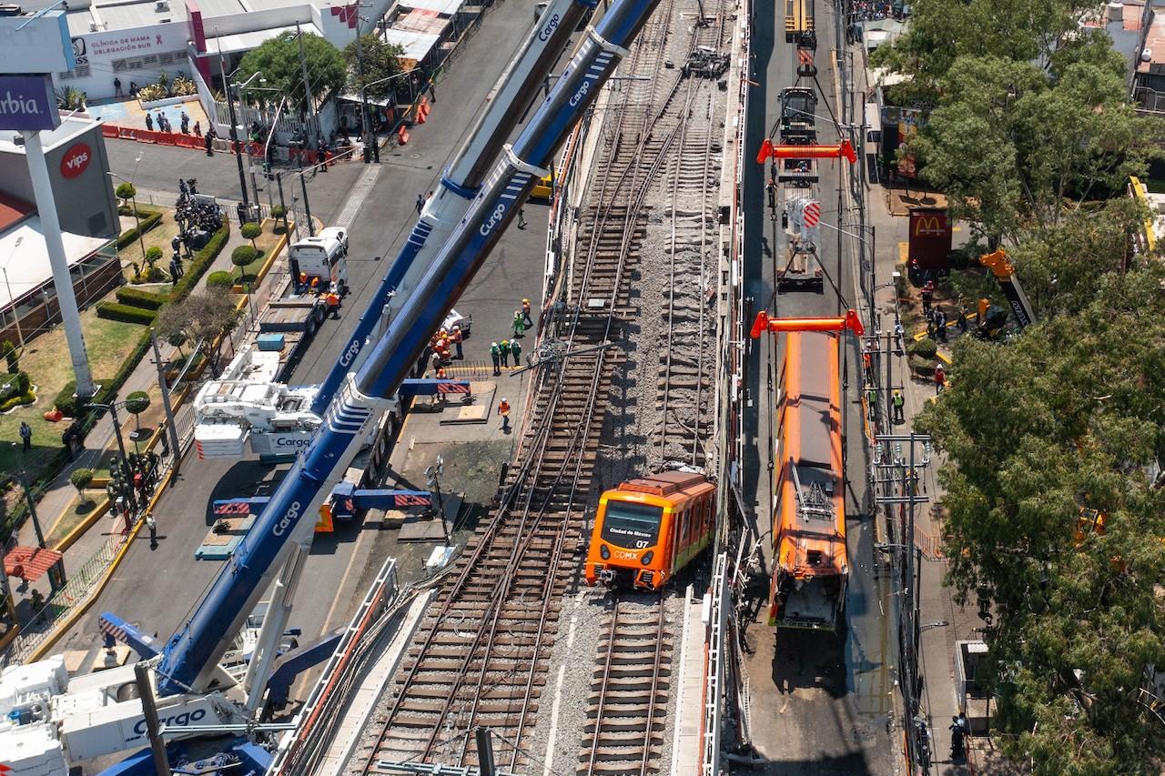Secuelas del trágico colapso del paso elevado del Metro de la Líneas 12 en la Ciudad de México (Getty Images)