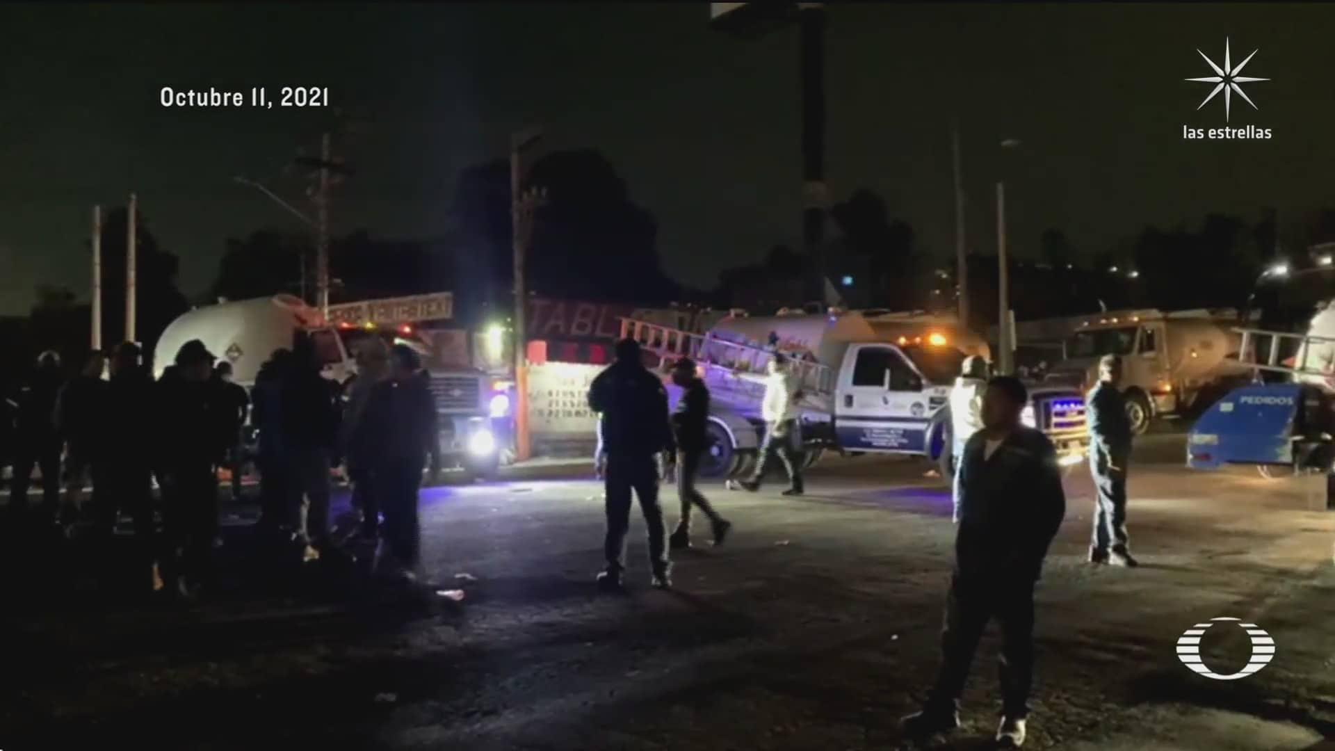 miles de automovilistas quedan atrapados en bloqueo de gaseros