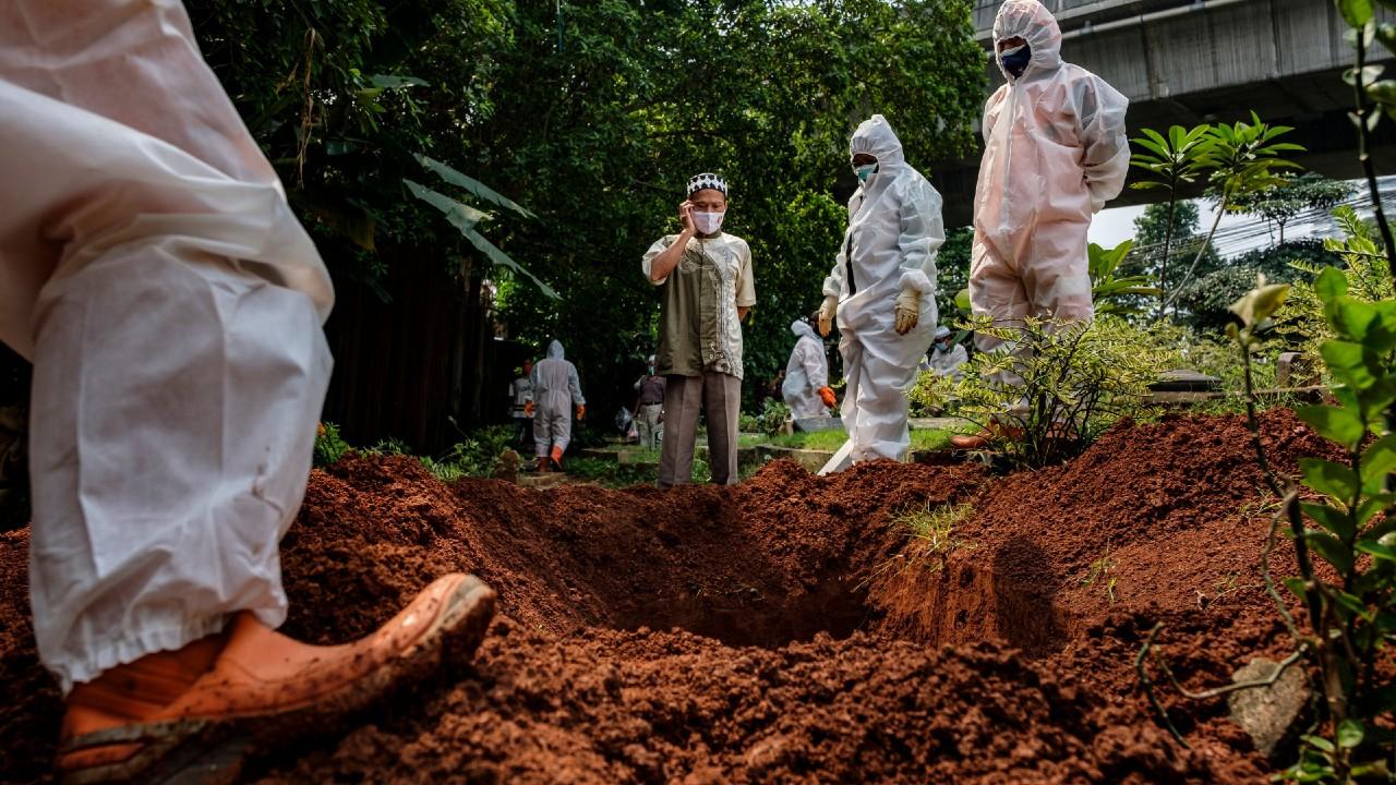 El mundo registra la cifra más baja por muertes de covid: OMS