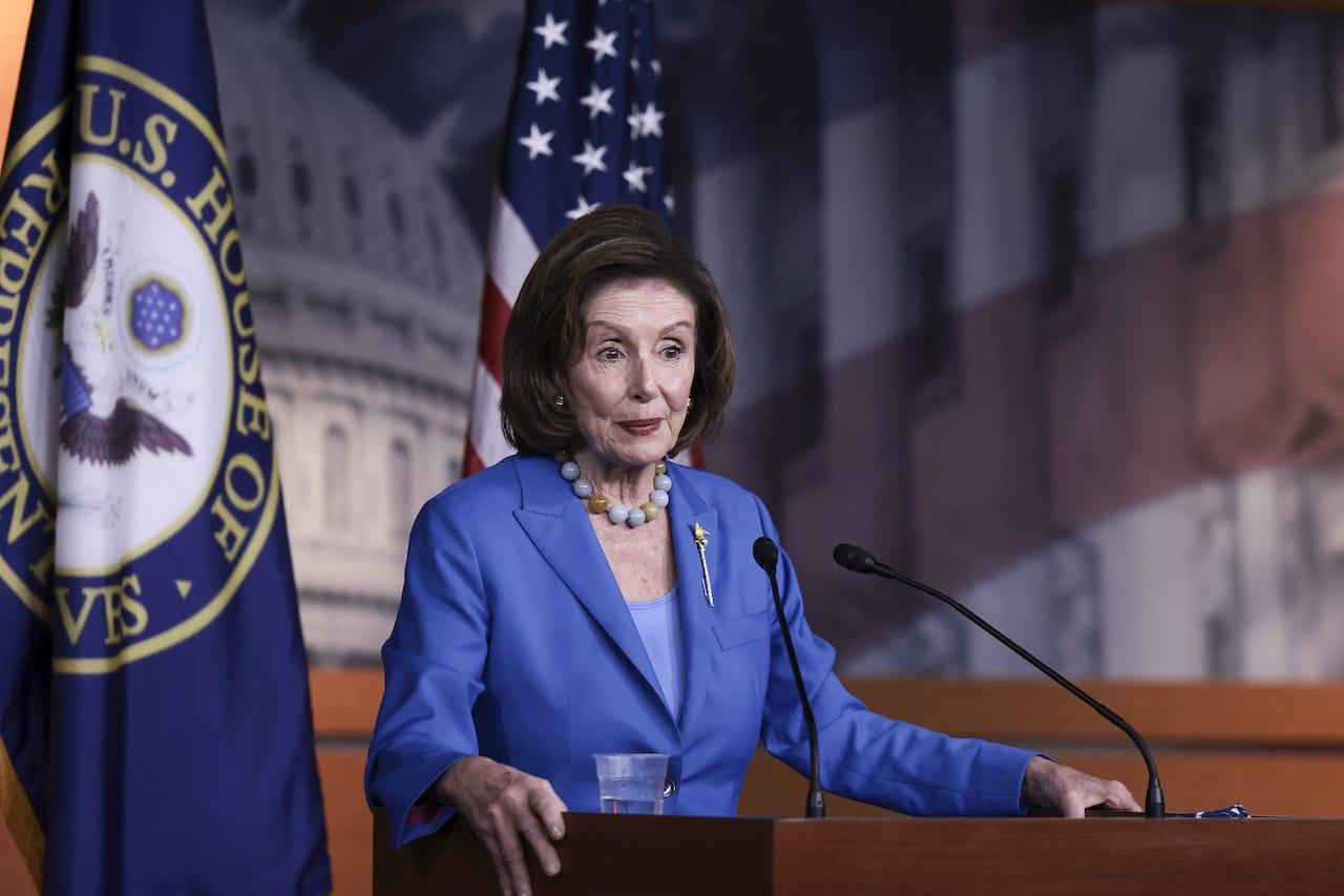 La presidenta de la Cámara de Representantes, Nancy Pelosi en el Capitolio, el 12 de octubre de 2021 (Getty Images)