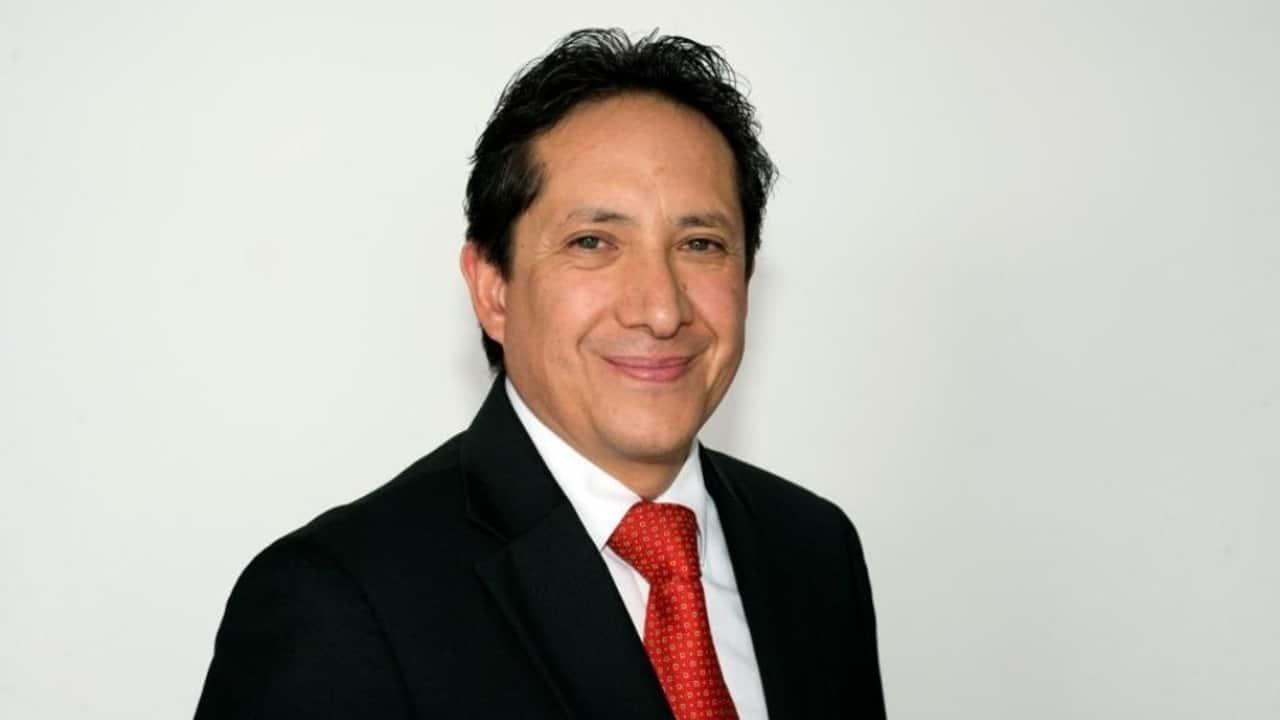 Fotografía del doctor Rodrigo de la Riva Robles