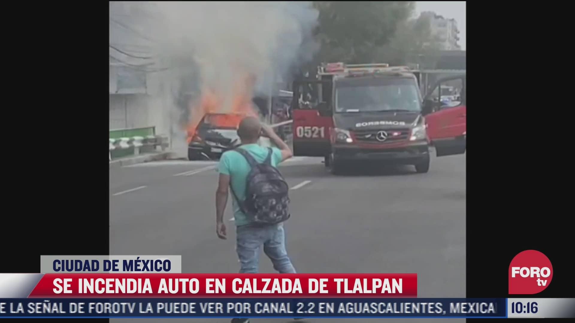 se incendia auto en calzada de tlalpan en la cdmx