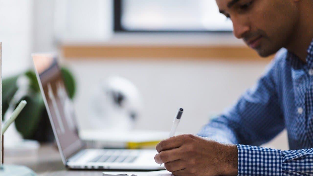SEP publica cuarta convocatoria para estudiar Prepa en Línea y así puedes hacer registro