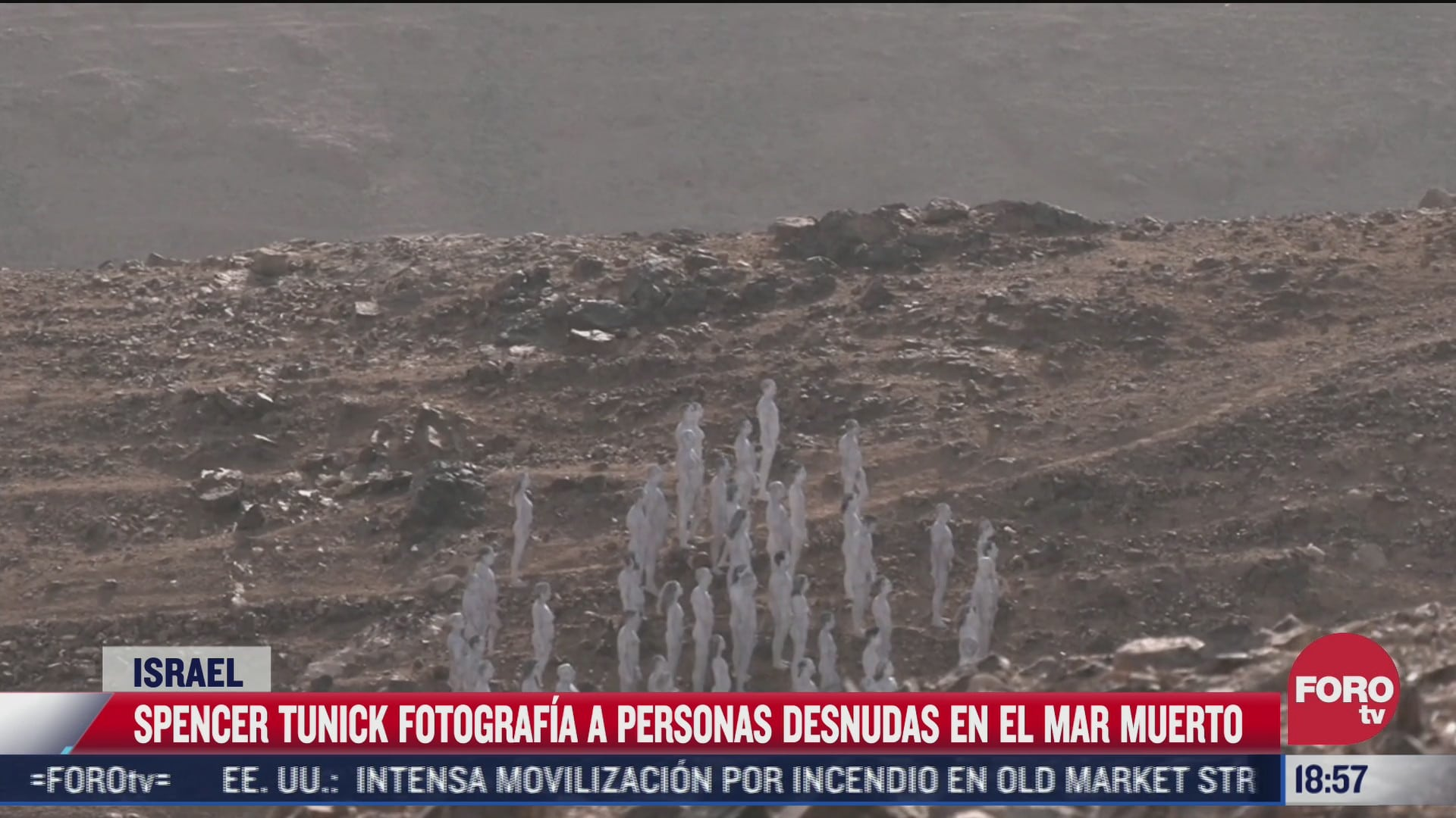 spencer tunick fotografia a personas desnudas en mar muerto