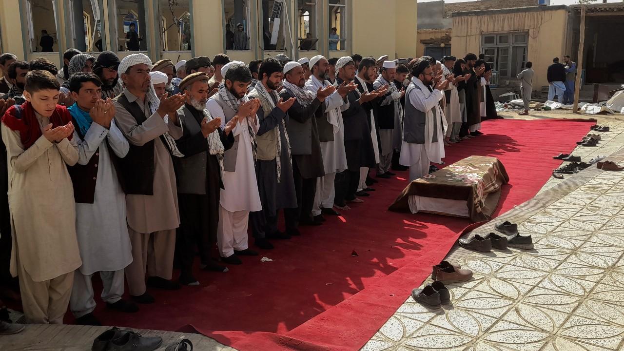 Talibán advierte que no cooperará con EEUU para contener a ISIS