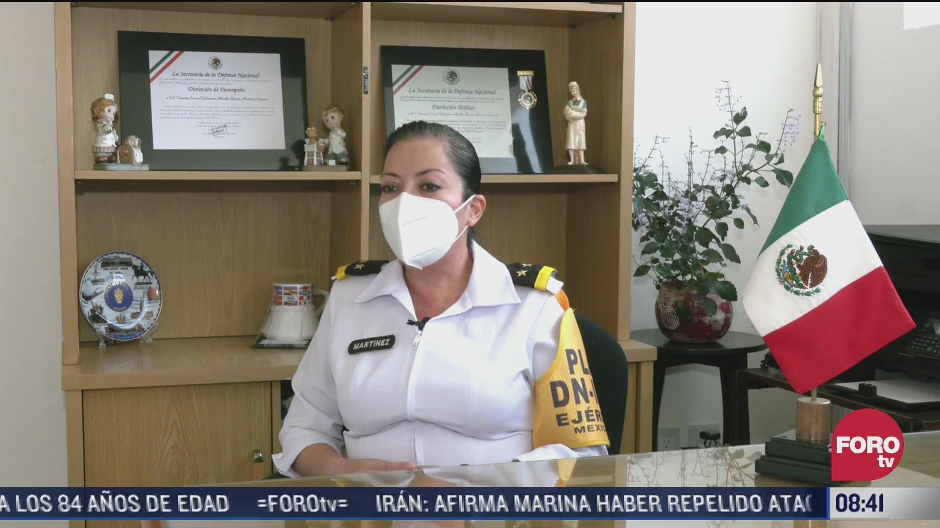 teniente coronel karina martinez recibe reconocimiento por su labor de enfermera