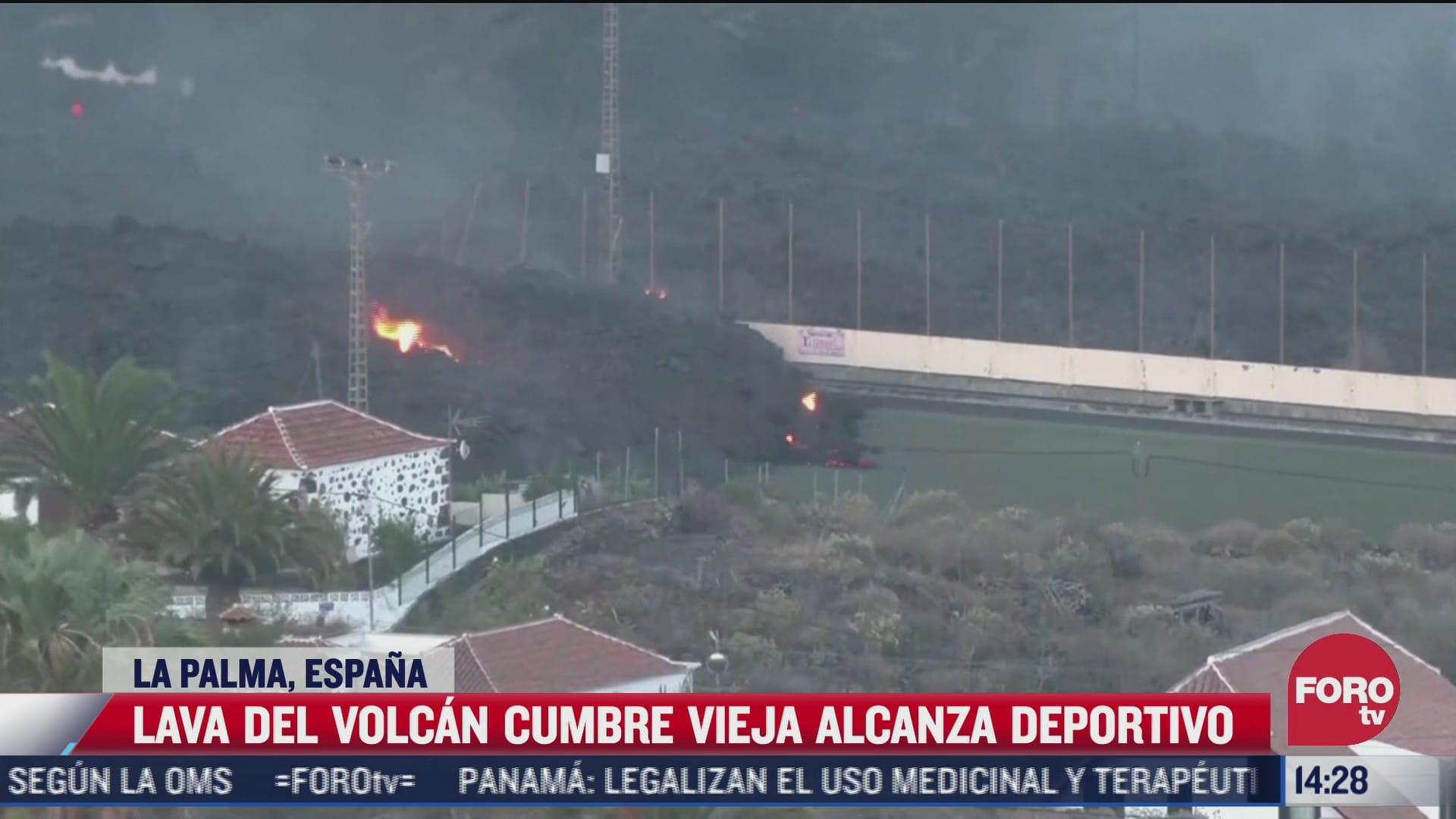 video lava del volcan cumbre vieja sepulta una cancha de futbol