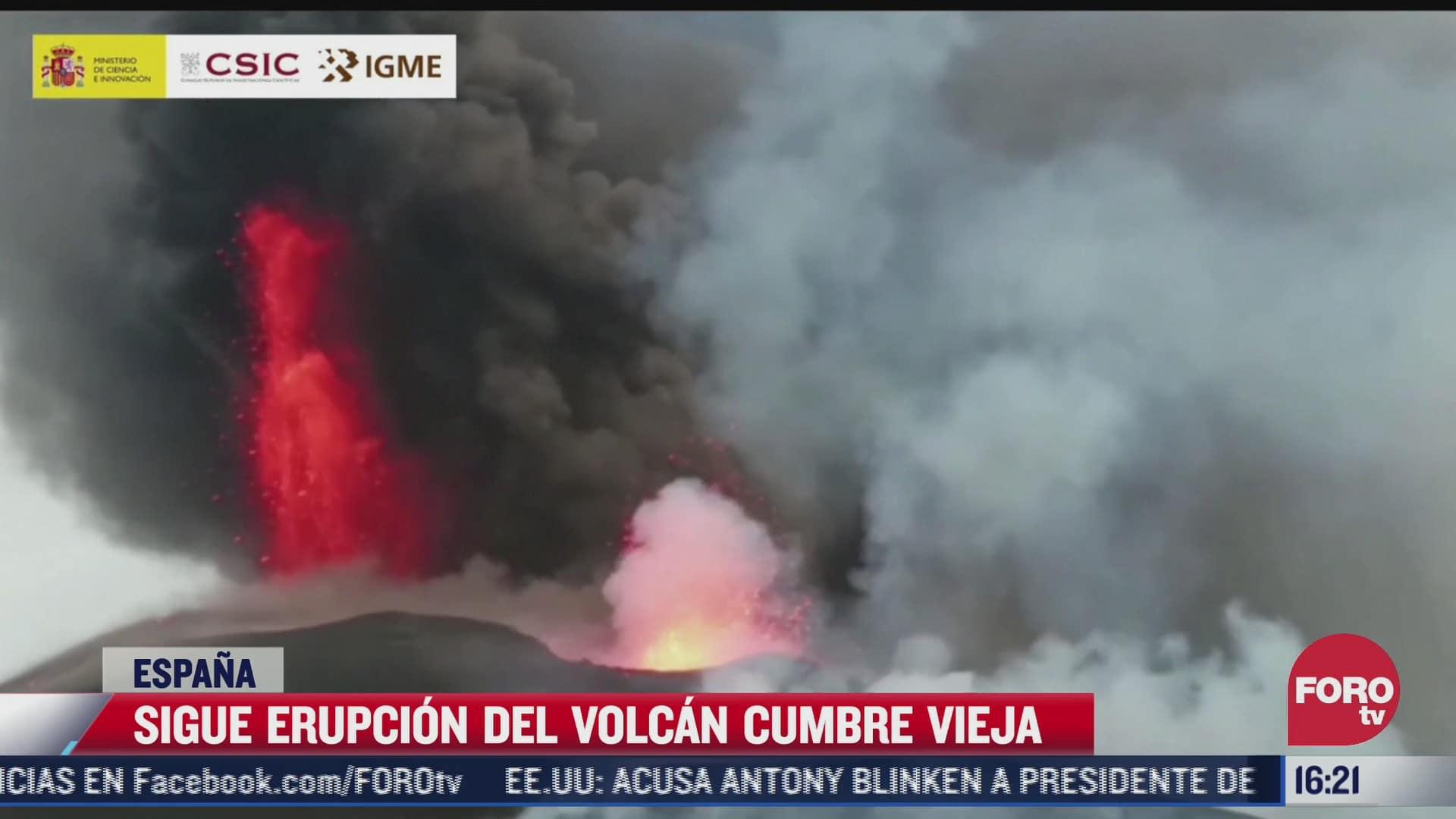 volcan cumbre vieja no deja de expulsar material incandescente