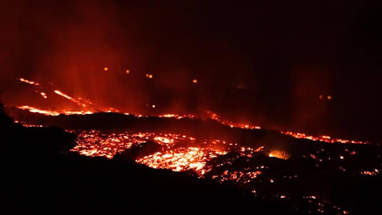 El volcán de La Palma sigue rugiendo y la magnitud de los sismos aumentan
